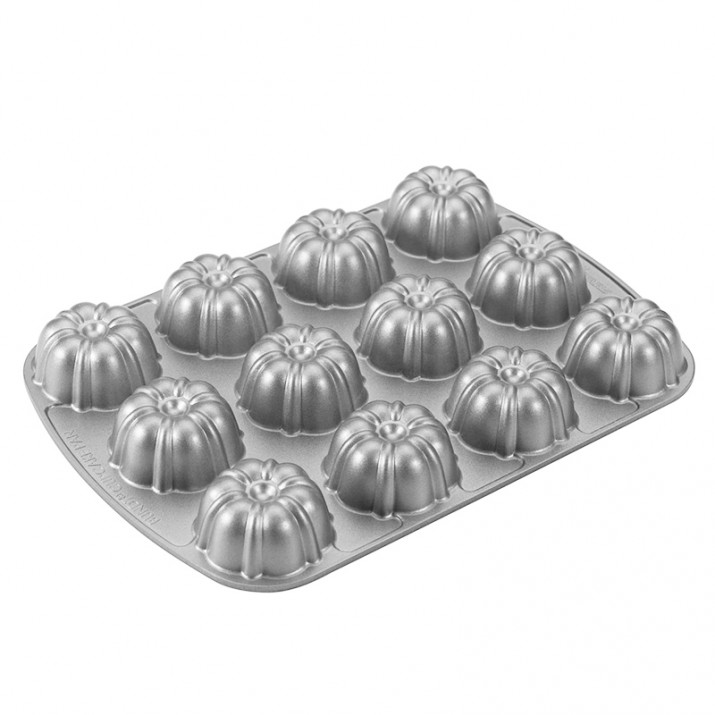 Molde Bundt Brownie Pan - Nordic Ware