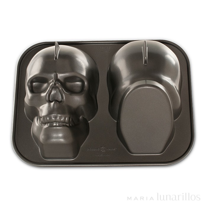 Molde Haunted Skull Pan Nordic Ware
